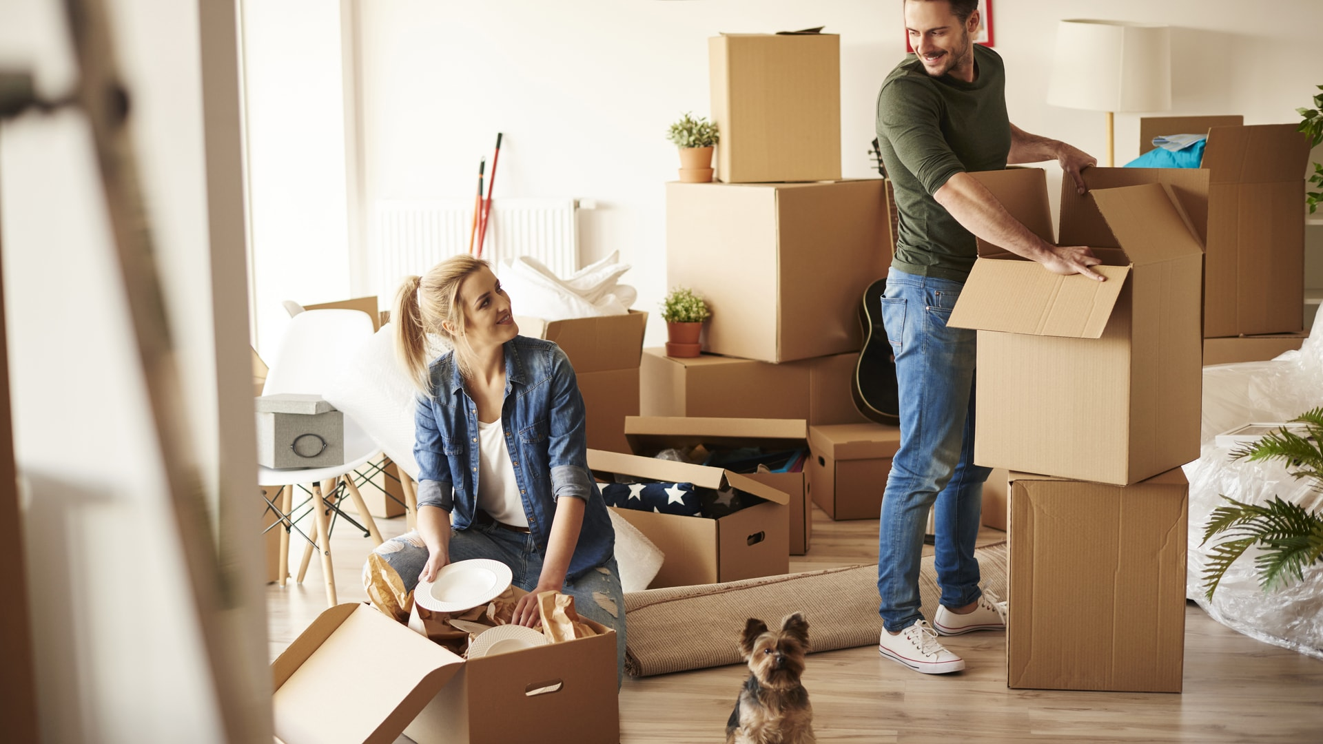 10 easy tips for unpacking your apartment platinum for Moving into a new build house tips