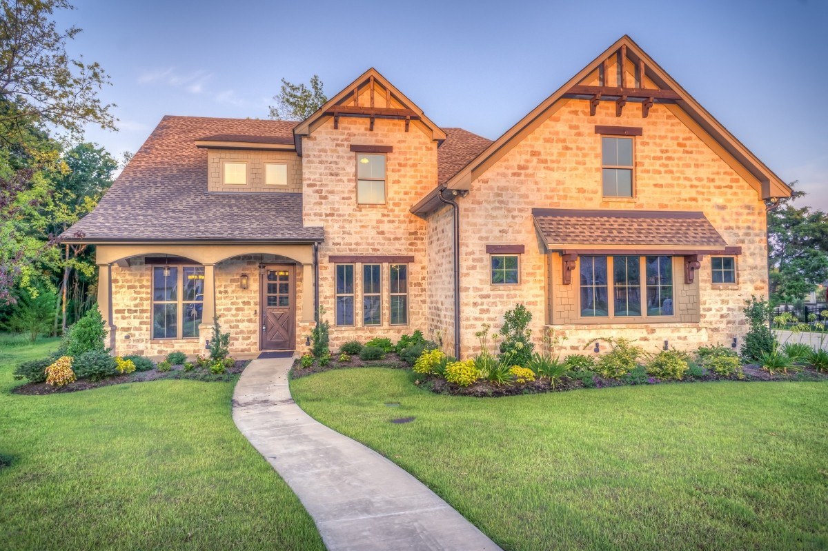 Popular home styles across america platinum properties for Most popular home styles